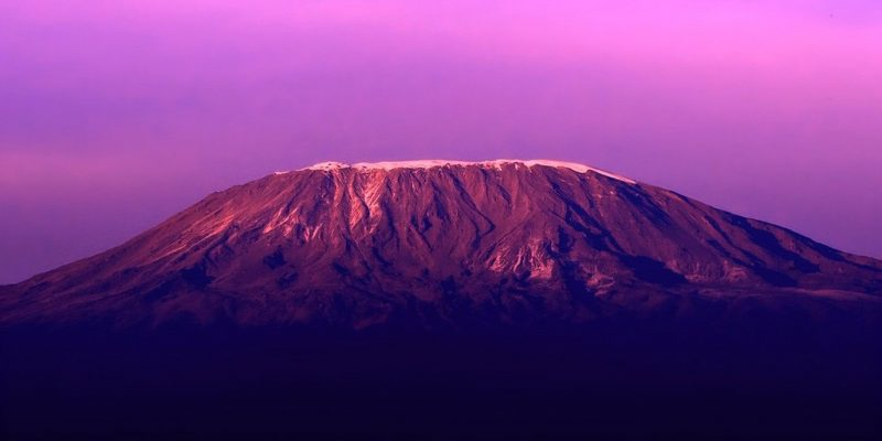 Kilimanjaro_Wallpaper_i04bl